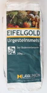 Eifelgold is het beroemde lavameel uit de Eifel dat in grotere verpakkingen in de handel verkrijgbaar is. Hier een zak van 20 kilo.